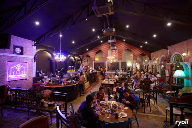 SHING A RING A RING : HANG OUT BAR & CAFE